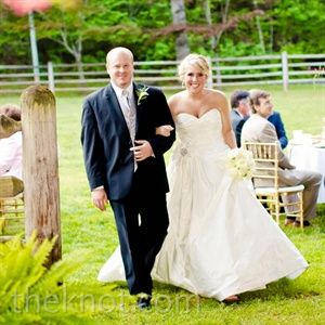 Chelsey Jason In Helen Ga This Is A Beautiful Place To Get Married Vintage Wedding Romantic Wedding Wedding Website Free