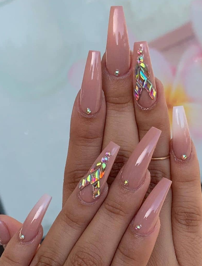 36 Elegant Pink Coffin Nail Design For Acrylic Nails To Be Romatic Nail Designs Pink Glitter Nails Light Pink Nails