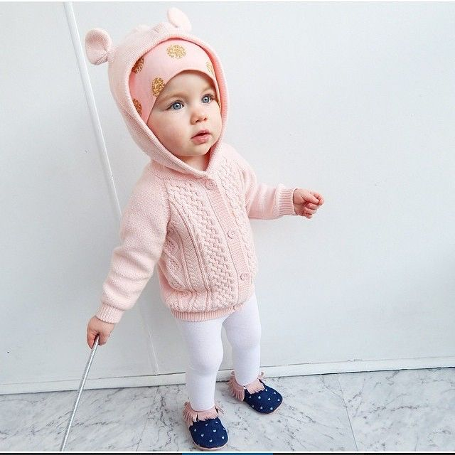 Gorg Grace wearing our printed heart moccasins in pink. #australia#grace#babydoll#mybeautifulittleshop #gorg#baby#fashion#moccasins #shopmoccs #pink#