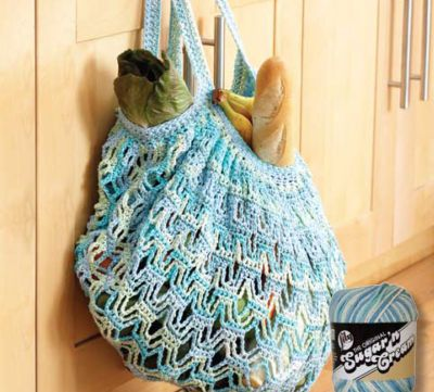 Love this market bag....  Sugar n' Cream crochet bag... here's a link to the pattern.