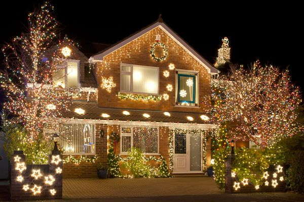 Twinkling Lights And Glittering Garland Don T Have To Scorch Your Wallet This Season Christmas Lights Outside Christmas Light Installation Led Christmas Lights