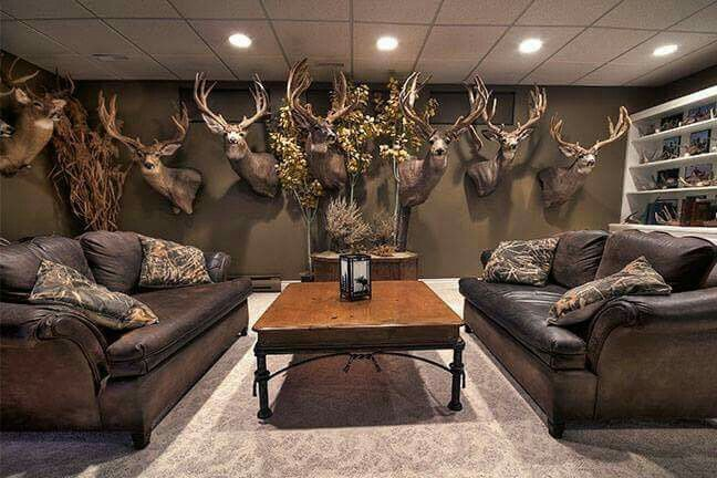 love the couches | hunting | trophy rooms, man cave home bar