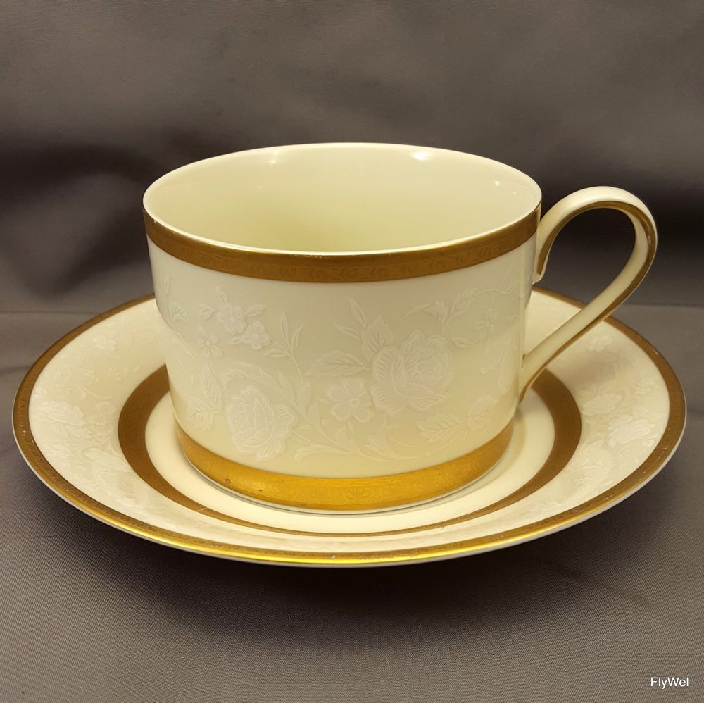 Royal albert bone china tea cup amp saucer winsome pattern ebay - Details About Mikasa Antique Lace L5531 Cup And Saucer Gold Encrusted White Floral Lace Rim