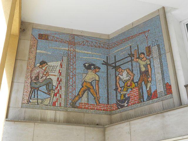 Virgilio Milani (con Chendi e Milan) - mosaico palazzo IACP Istituto Autonomo Case Popolari, Rovigo by Pivari.com, via Flickr