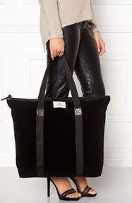 c99cf1b315ee Day Birger et Mikkelsen Day Gweneth Velvet Bag Black - Bubbleroom ...