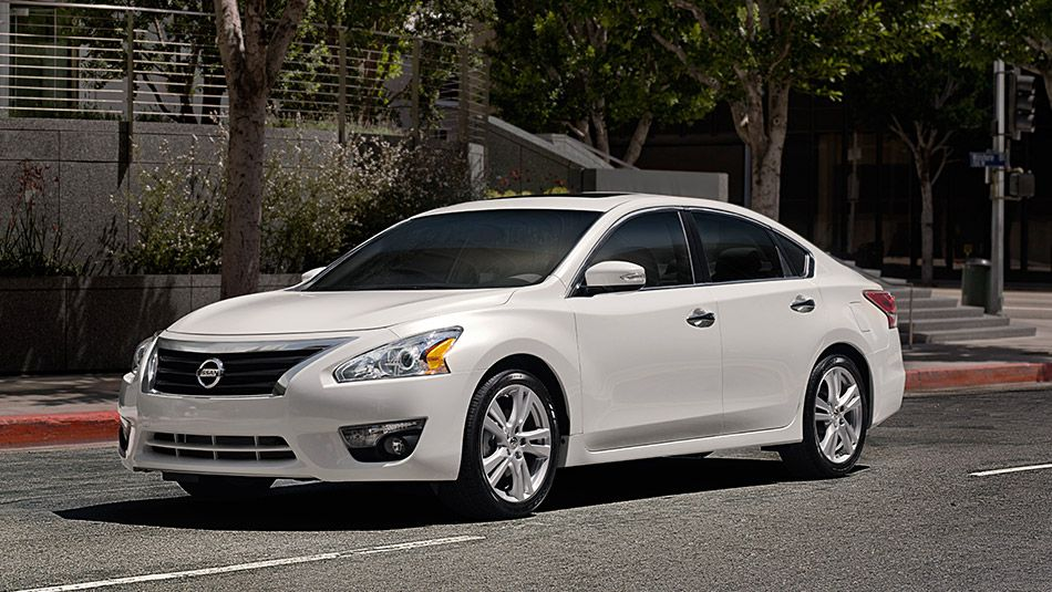 Discover The 2015 Nissan Altima From All Angles Nissan Altima Hybrid Car Altima