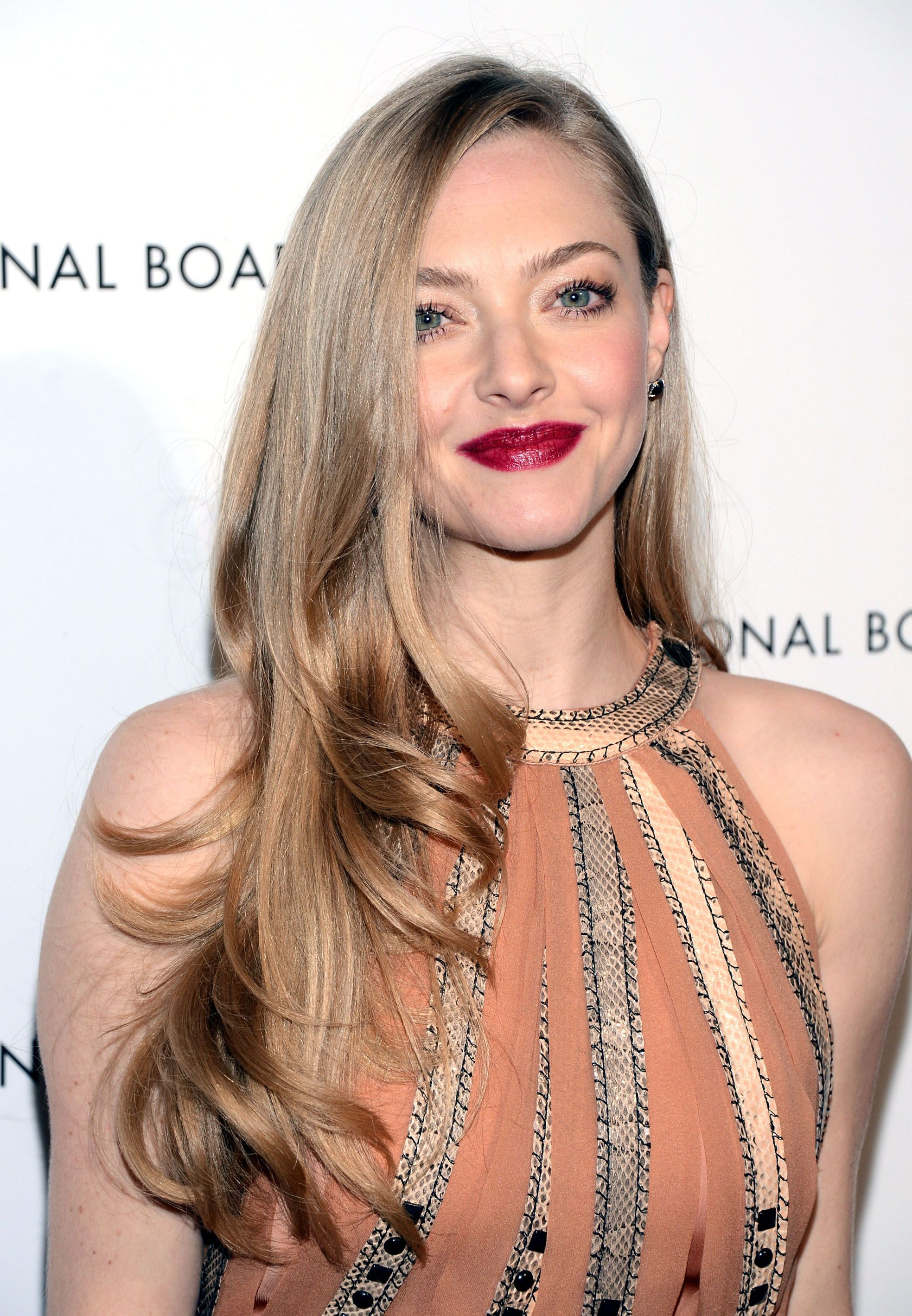 Get The Look: Amanda Seyfried's ShinyWaves