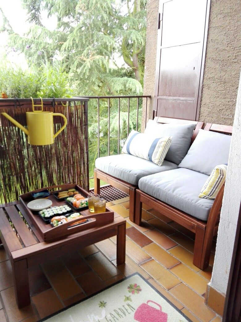 applarö & hällö, gemütliche sitzecke bei kleinem balkon | balconies