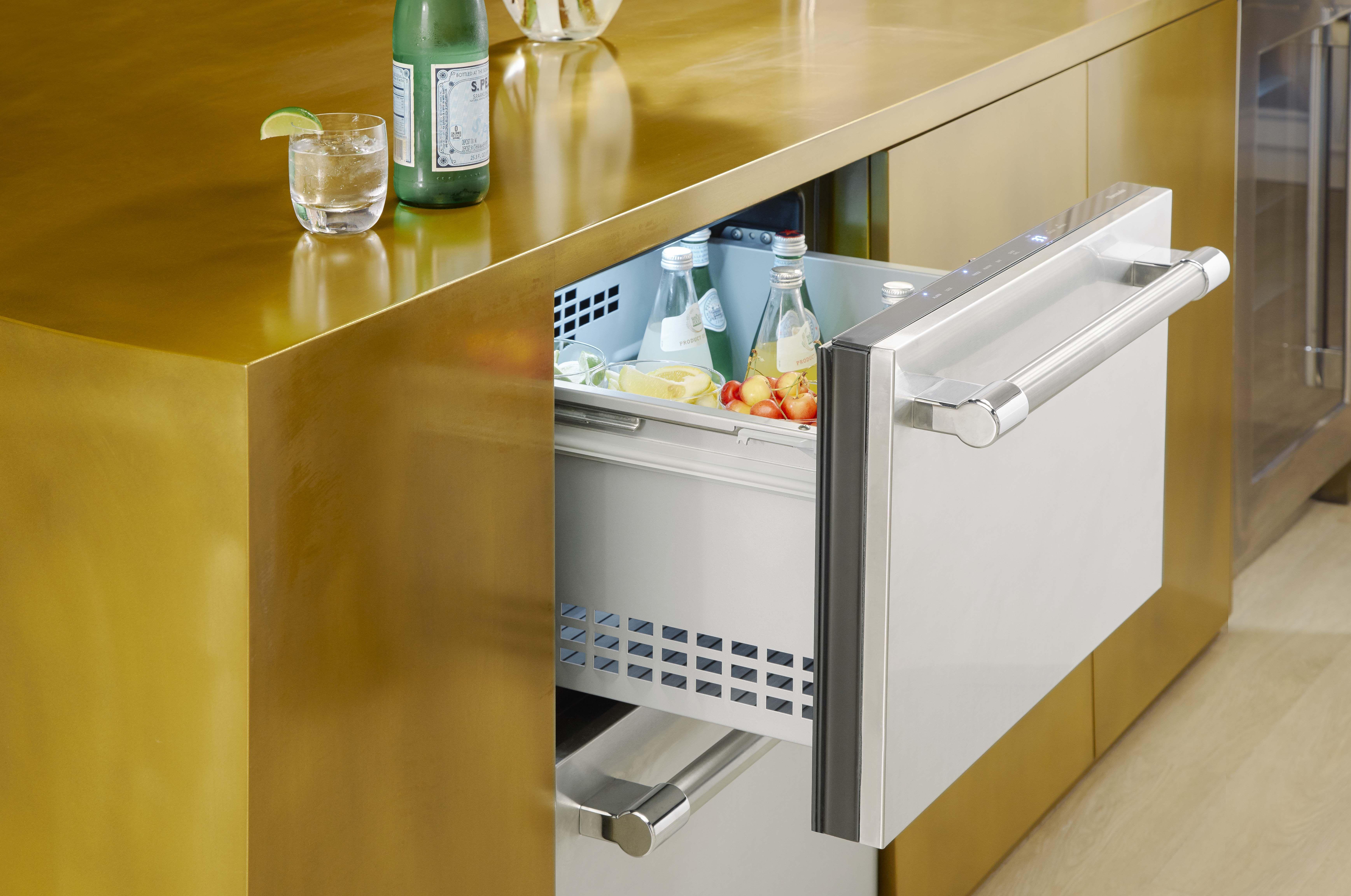 24 Under Counter Refrigerator