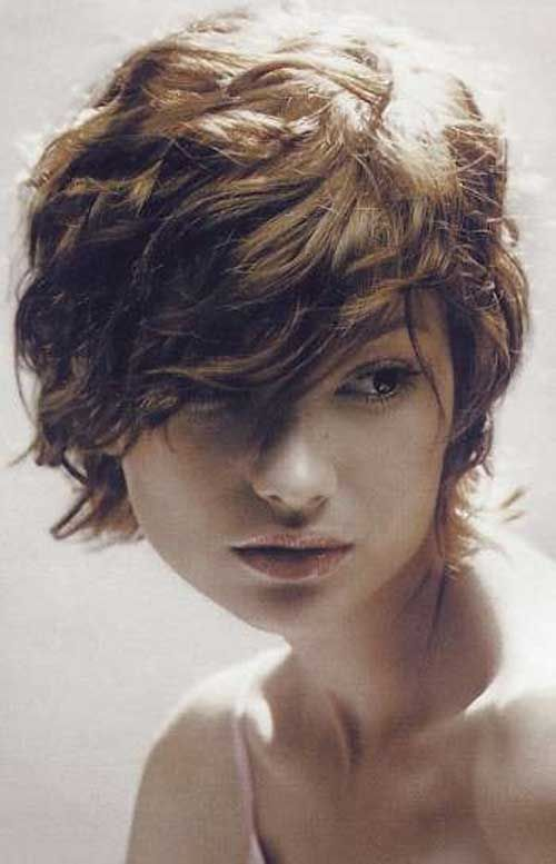 Pin By D Parks On Short Curly Wavy Haircuts Short Wavy Hair Short Curly Haircuts Hair Styles
