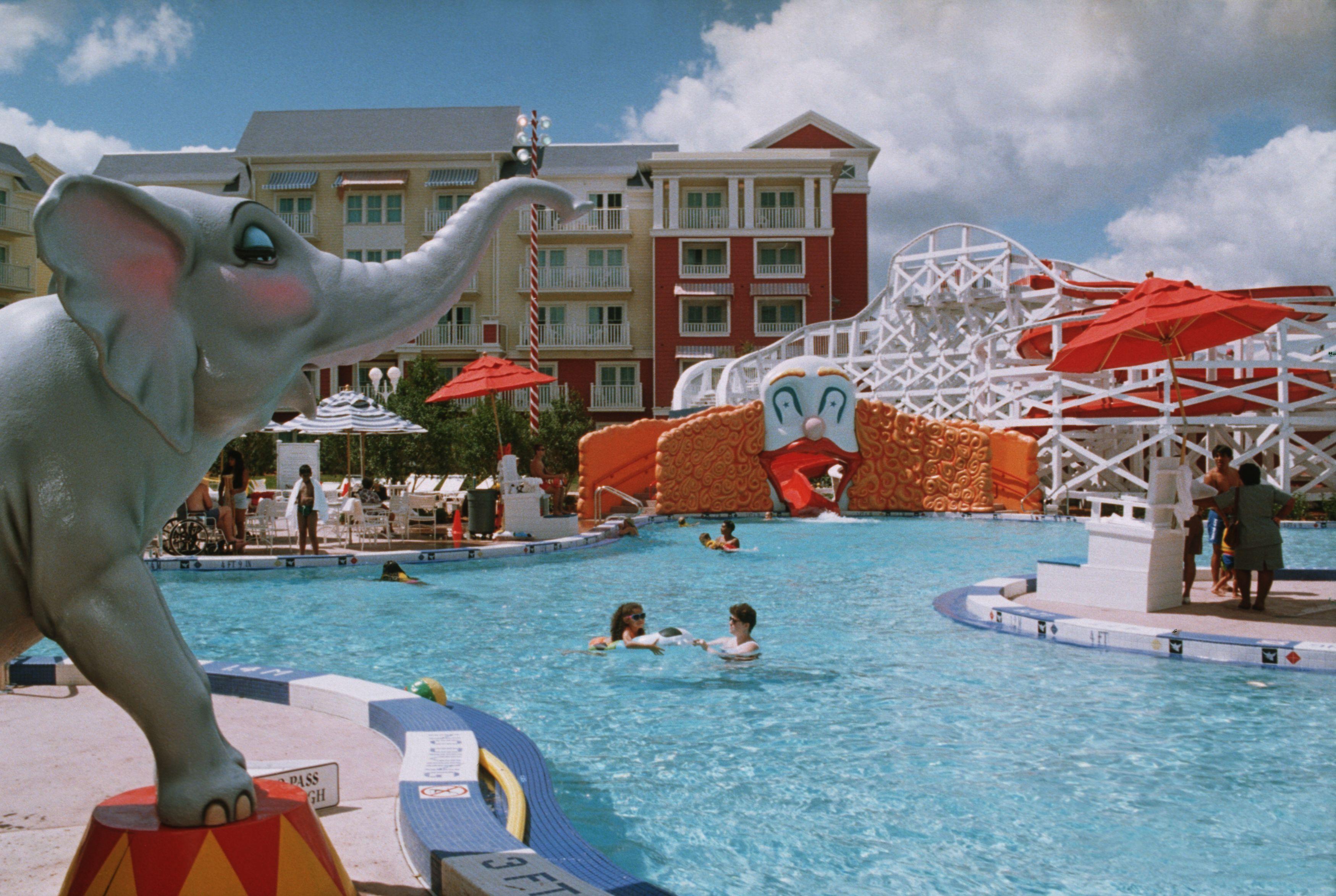 Feature pool BoardWalk Inn