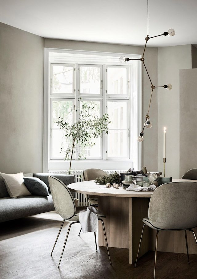 a swedish home in greige with some fab pieces wohnen m bel und k che. Black Bedroom Furniture Sets. Home Design Ideas
