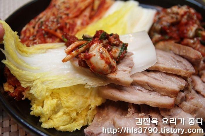 Korean Crepe Cake Recipe: 나만의 약간 특별한 돼지보쌈 만드는 법 *^^*