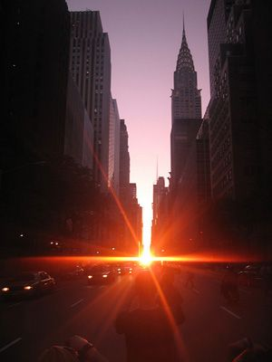 Manhattanhenge is 2x a year, when the sun sets directly in line with the #NYC street grid in Manhattan.  Simply astonishing.