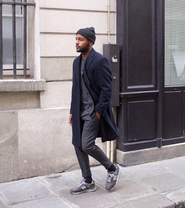 b187e3c827b98 Overcoat with Sneakers Fashion Moda