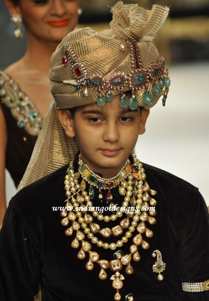 Mens Indian Jewellery : indian, jewellery, Checkout, Beautiful, Indian, Bridal, Jewellery., Layered, Kundan, Haar,, Navaratna, Short, Choker, Traditional, Jewellery,, Wedding