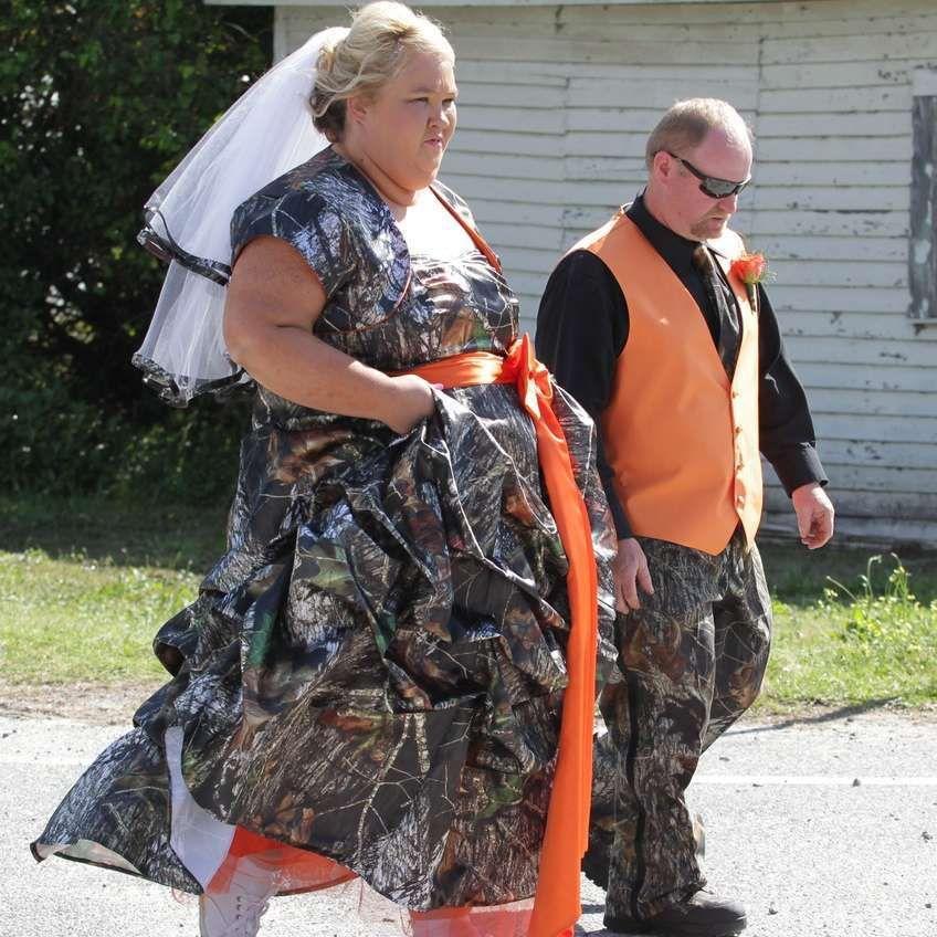 Wedding Family Shot List: 30 Hilarious Hillbilly Wedding Photos