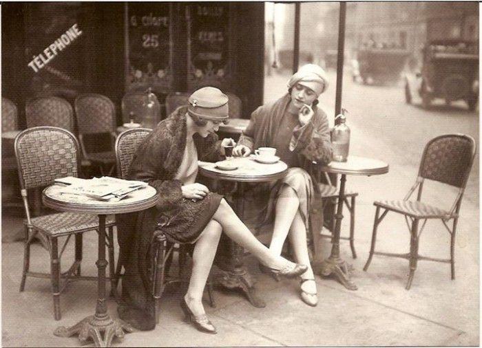 Photos l 39 volution du look des parisiennes depuis 1900 for Les terrasses parisiennes