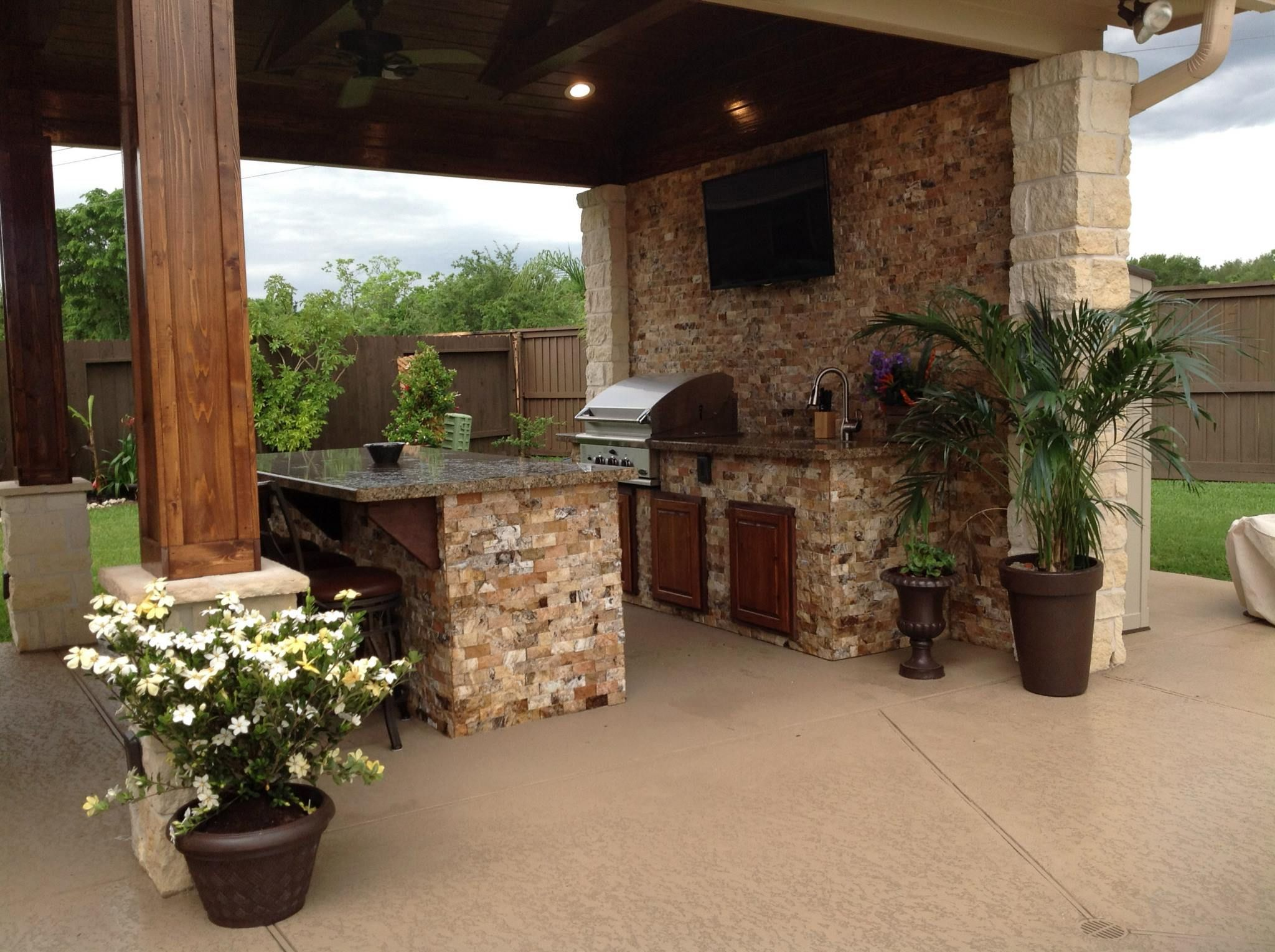 Outdoor Kitchen With Built In Grill And