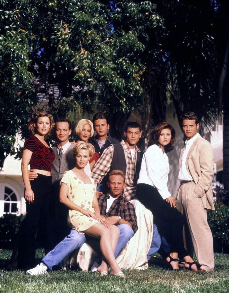 fe3fc2e5 Beverly Hills 90210 Cast | Beverly Hills 90210 in 2019 | Beverly ...