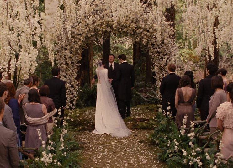 Twilight Saga On Instagram Qotd Breaking Dawn Part 1 Or Breaking Dawn Part 2 Thetwilightsaga Twili Twilight Wedding Breaking Dawn Wedding Wedding