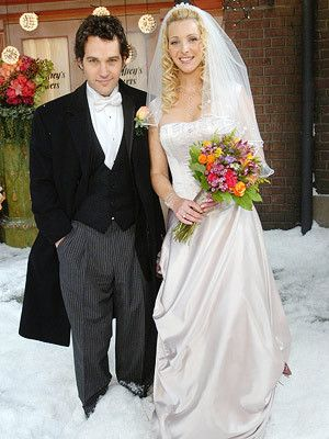 I Love The Flowers In Phoebe S Bouquet Celebrity Wedding