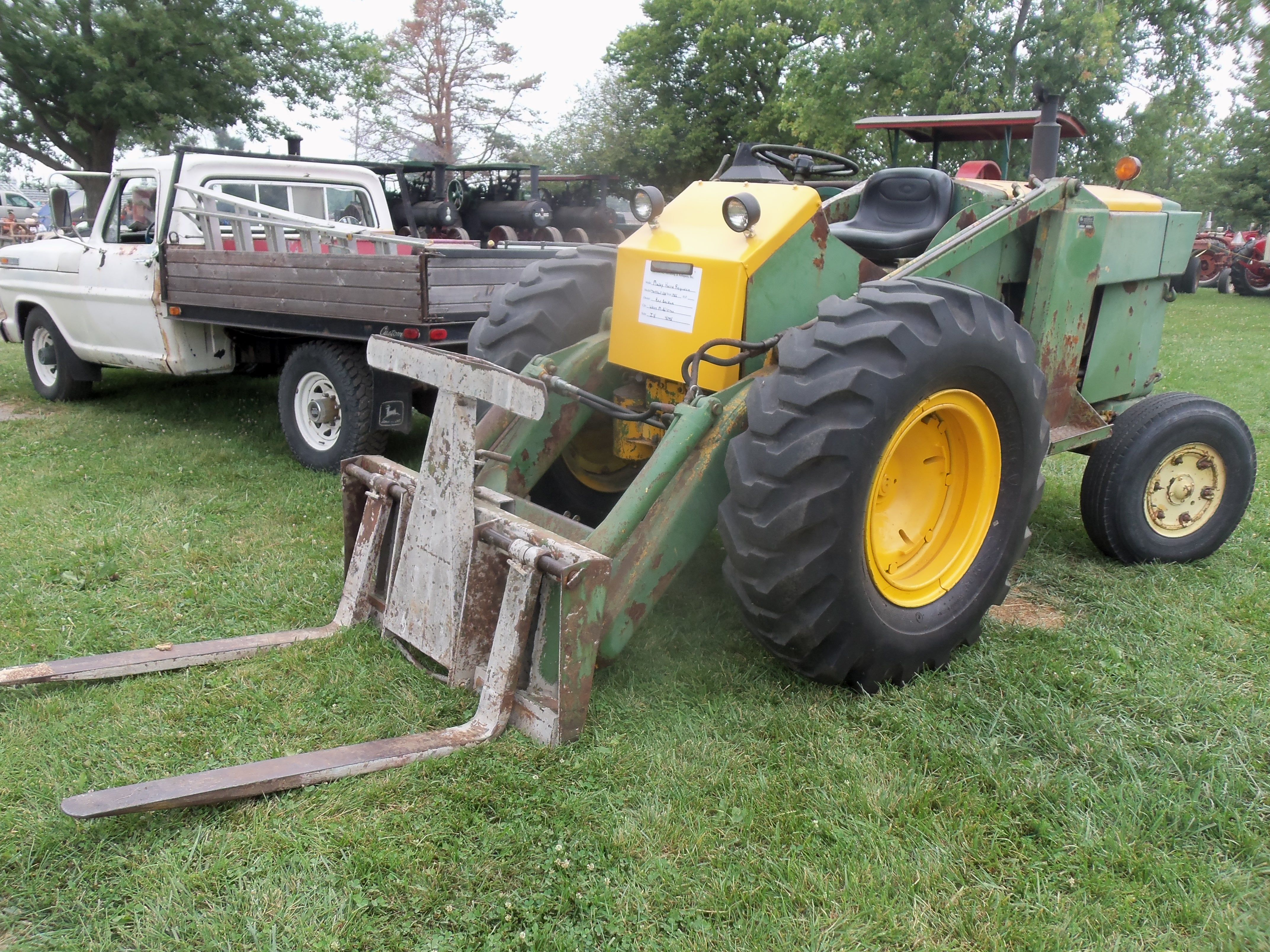 1956 Massey Ferguson 40 Tractor : Massey harris fergsuon workbull loader