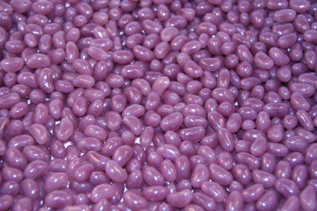 Mini purple Jellybeans-1kg Wallies Lollies  Mix with white ones should be niceeee