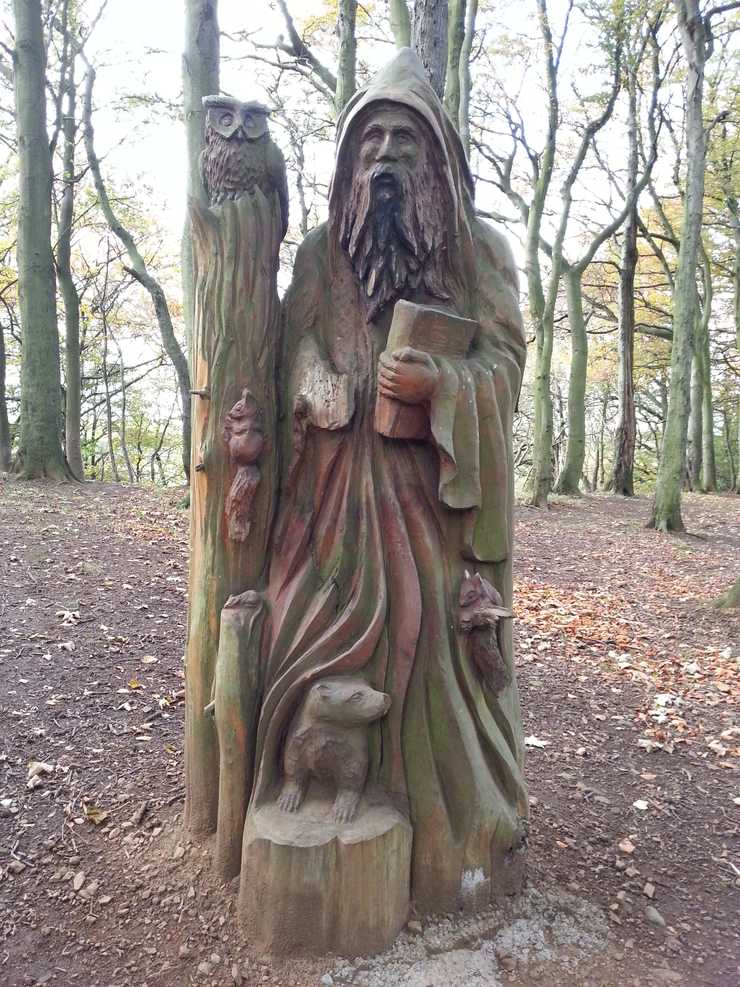 Wizards walk beveridge park kirkcaldy chainsaw carving