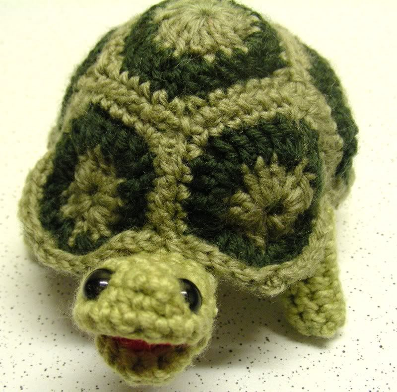 ******I made a greek tortoise**NOW WITH PATTERN LINK - CROCHET