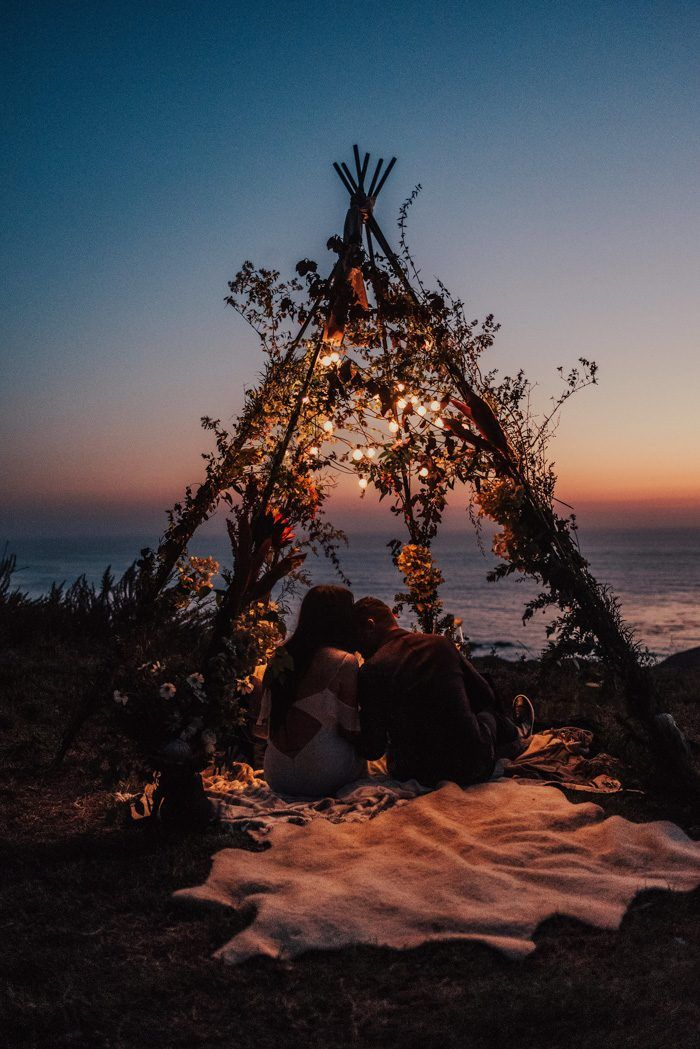 We Can't Get Enough of the Ceremony Setup at This Stylish Big Sur Elopement | Junebug Weddings