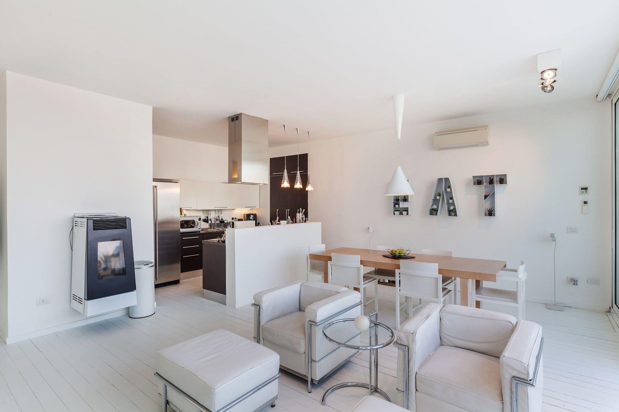 Zona cucina e soggiorno: soggiorno in stile di gabriele ...