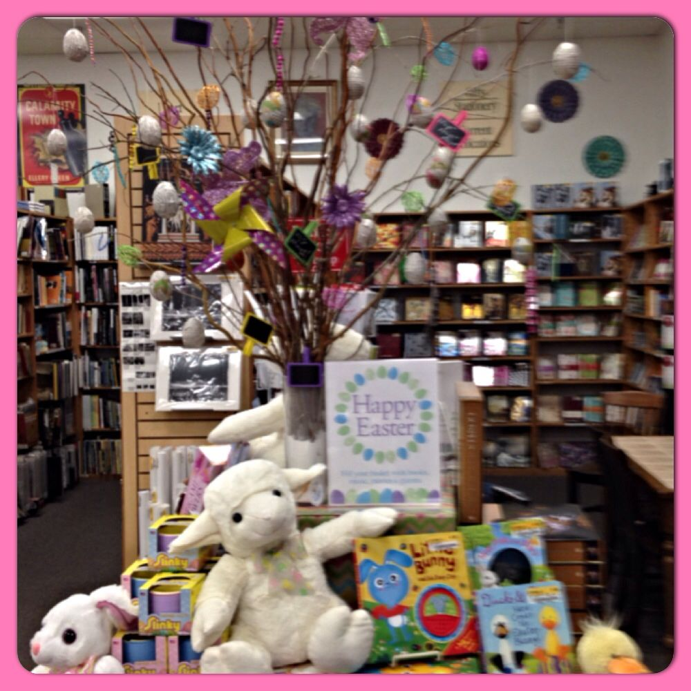 Easter Display Ideas: Easter Bookstore Display