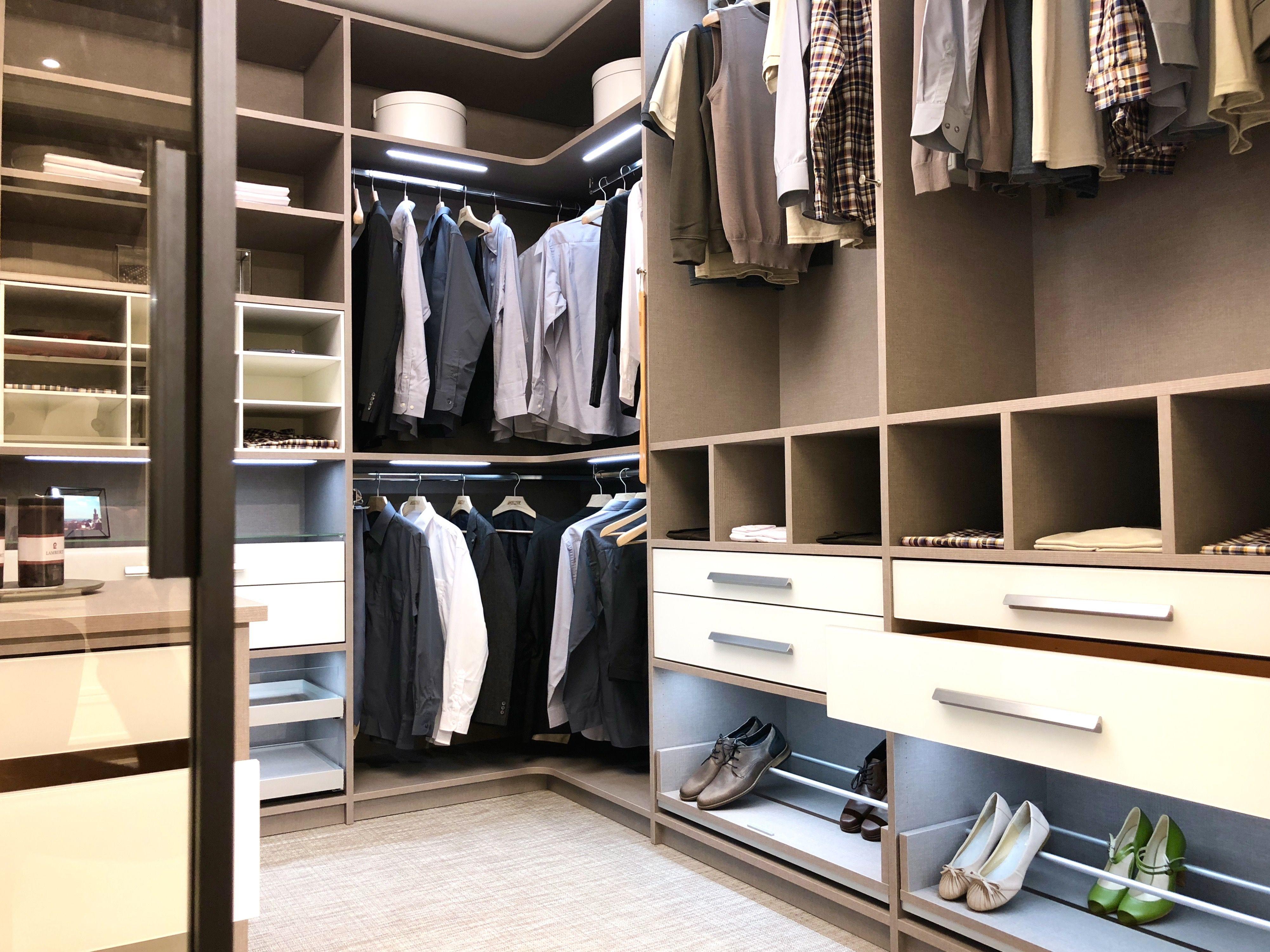 Platz Fur Traume Mit 10 Preisvorteil Auf Ihren Begehbarer Kleiderschrank Begehbarer Kleiderschrank Cabinet Einbauschrank