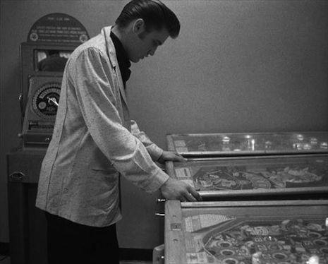 Elvis Presley (1956).