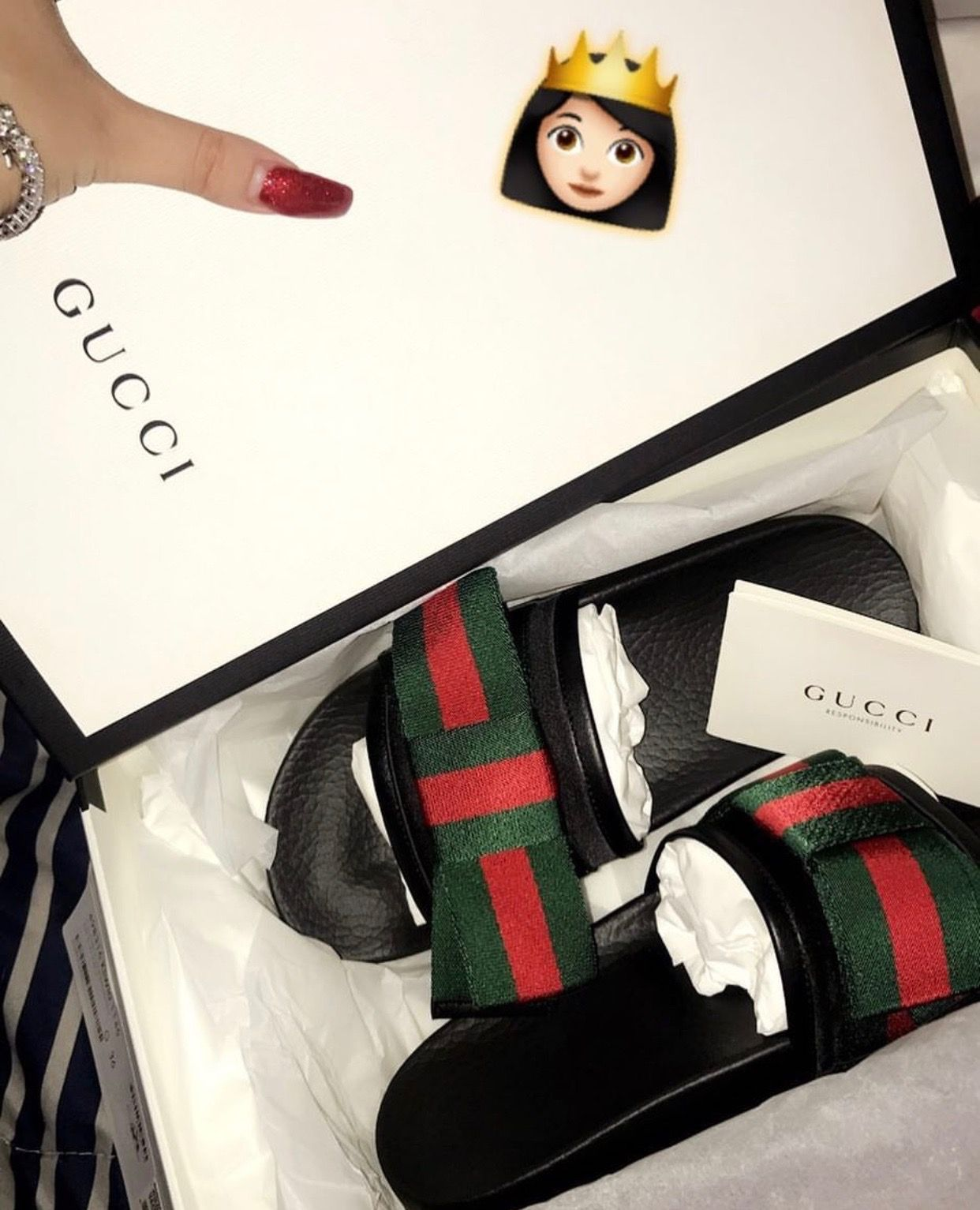 Pelmel España Fanático  Follow: @Tropic_M for more ❄️ | Zapatos gucci, Sandalias bonitas, Sandalias  nike mujer