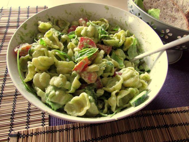 we love veggie: Nudelsalat mit Rucula-Walnusspesto - grüne Sache !...
