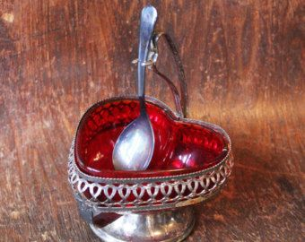 Vintage Red Heart Sugar Cube/Candy Dish - The Wedding Picker