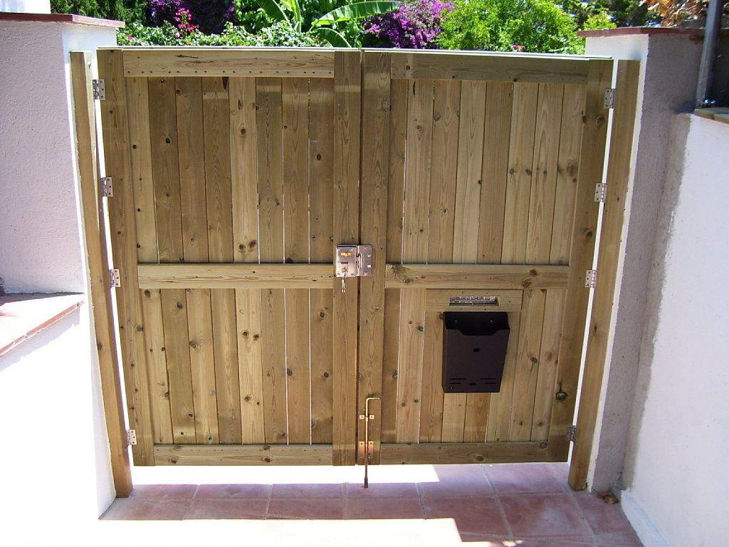 No te gustan los modelos de portones que te ofrecen las for Puertas de madera para garage