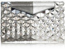 Pin for Later: Seid der Star auf jeder Silvesterparty mit einer glitzernden Clutch  Fendi verzierte Clutch aus strukturiertem Leder (4.800 €)