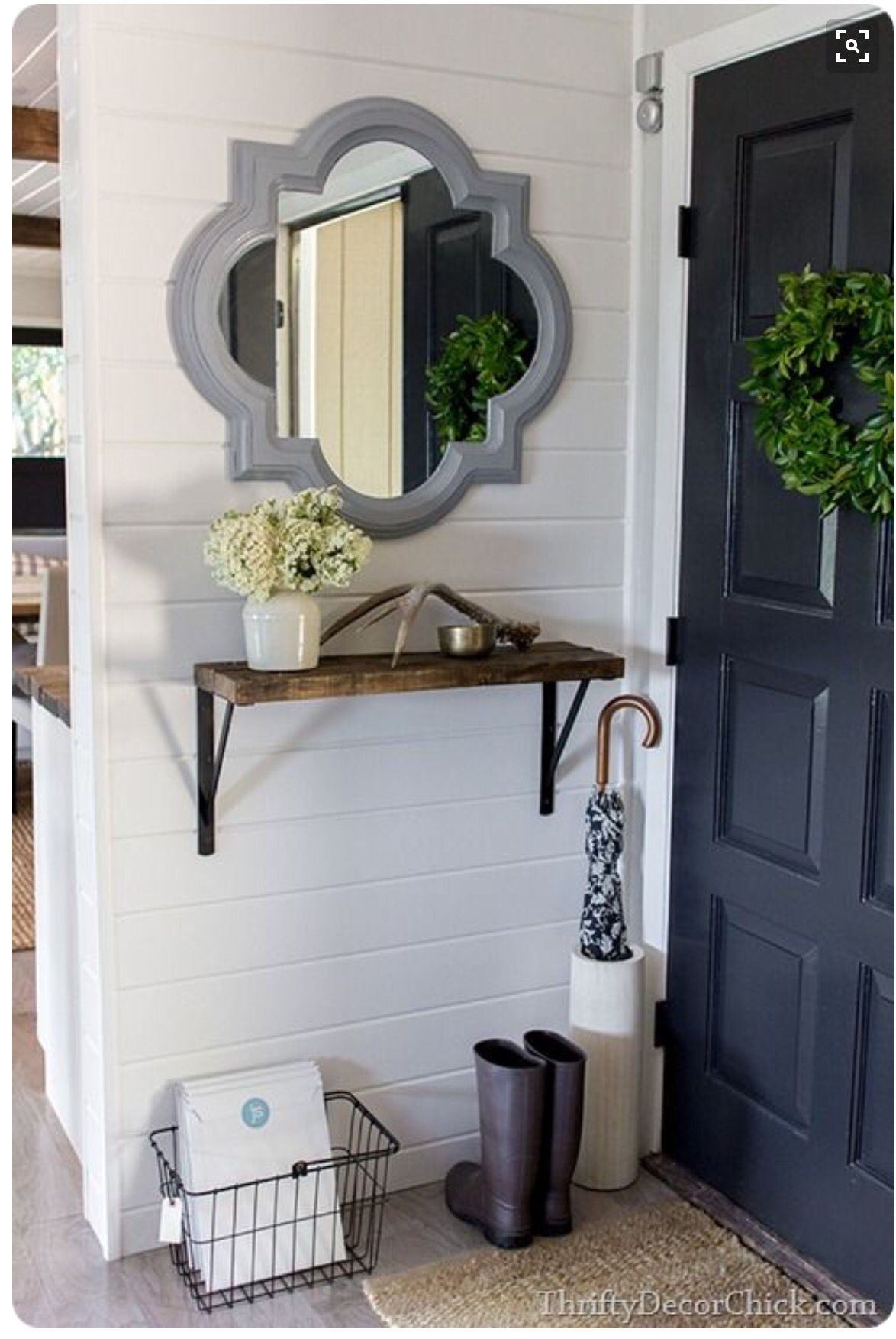 Front Entrance Accent Wall