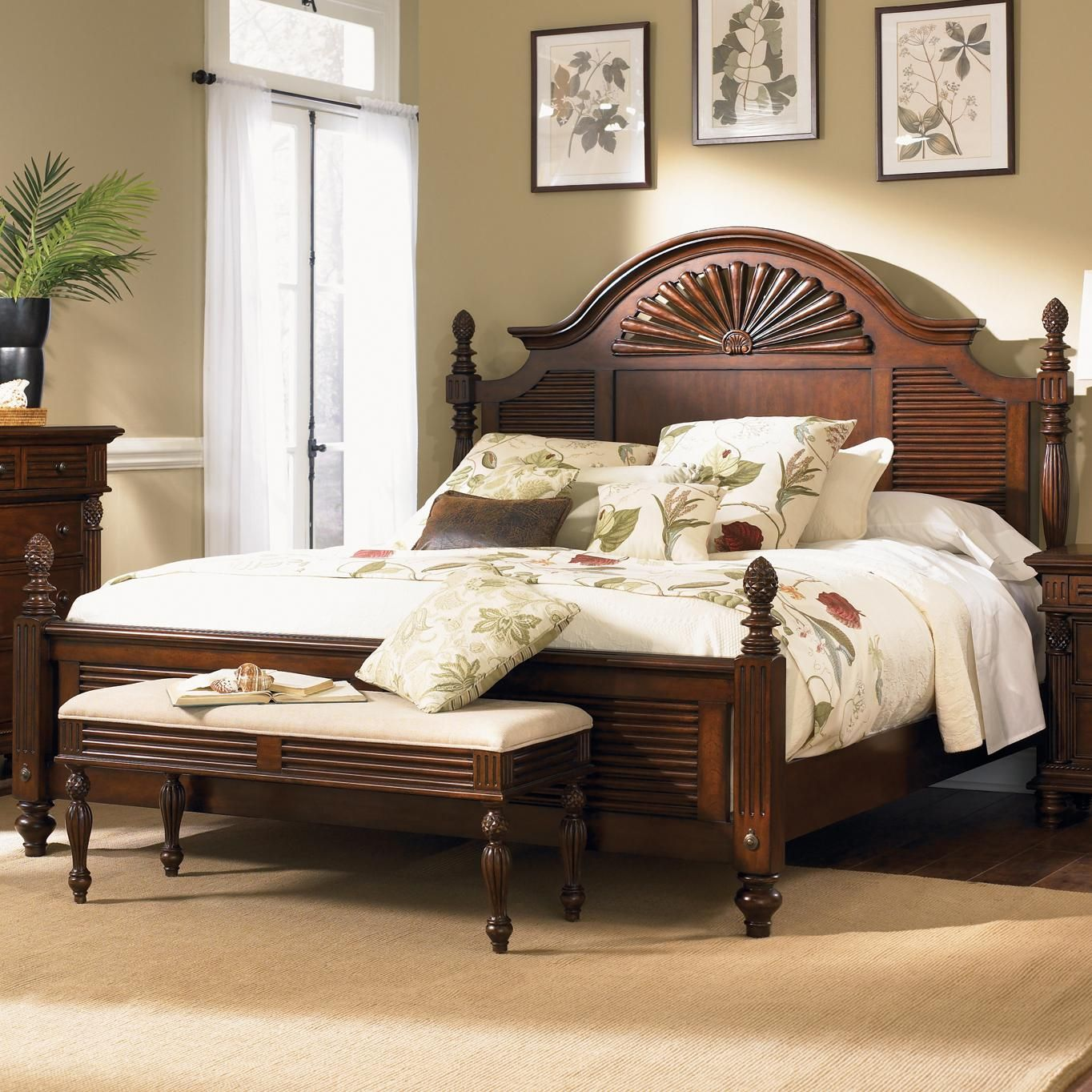 royal landing king poster bed with pineapple accents