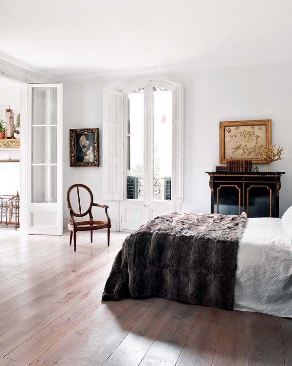 Barcelona Small Apartments: Habitually Chic®: Mystery Solved!