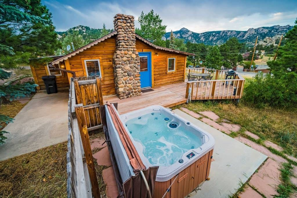 Entire Home Apt In Estes Park United States Soothe Your Soul In A Hot Tub Above Downtown While Staring Int In 2020 Colorado Cabins Estes Park Colorado Cabins Hot Tub