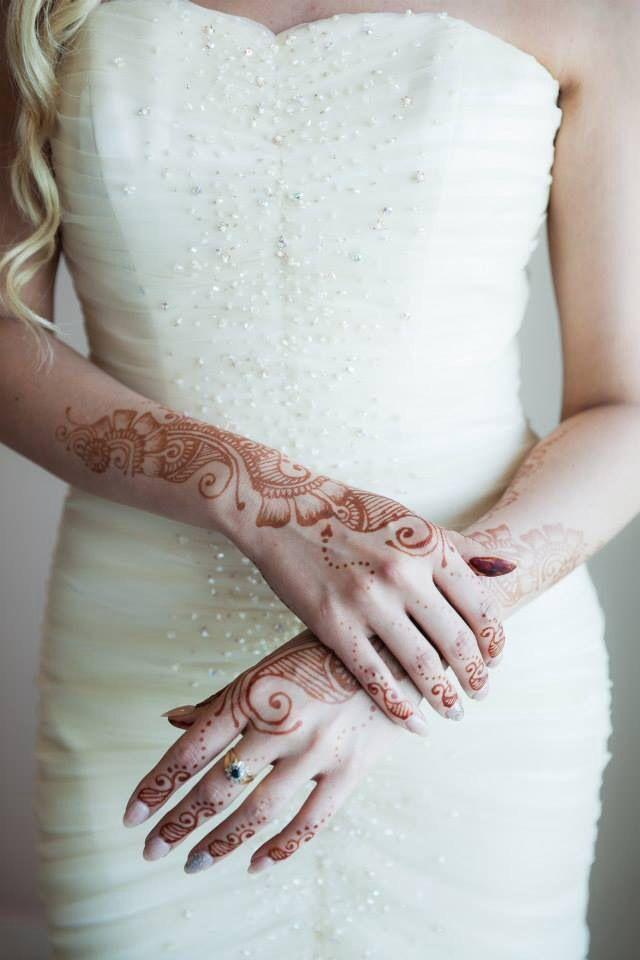 Bridal Henna Mendhi Wedding Bride White Dress Wedding Mehandi