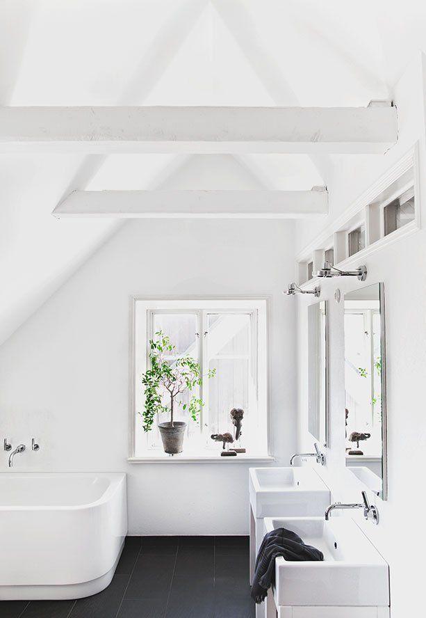 Épinglé par Courtney Richardson sur Bathrooms Pinterest Salle de - Mitigeur Mural Salle De Bain