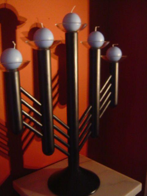 Aarikka kynttelikkö