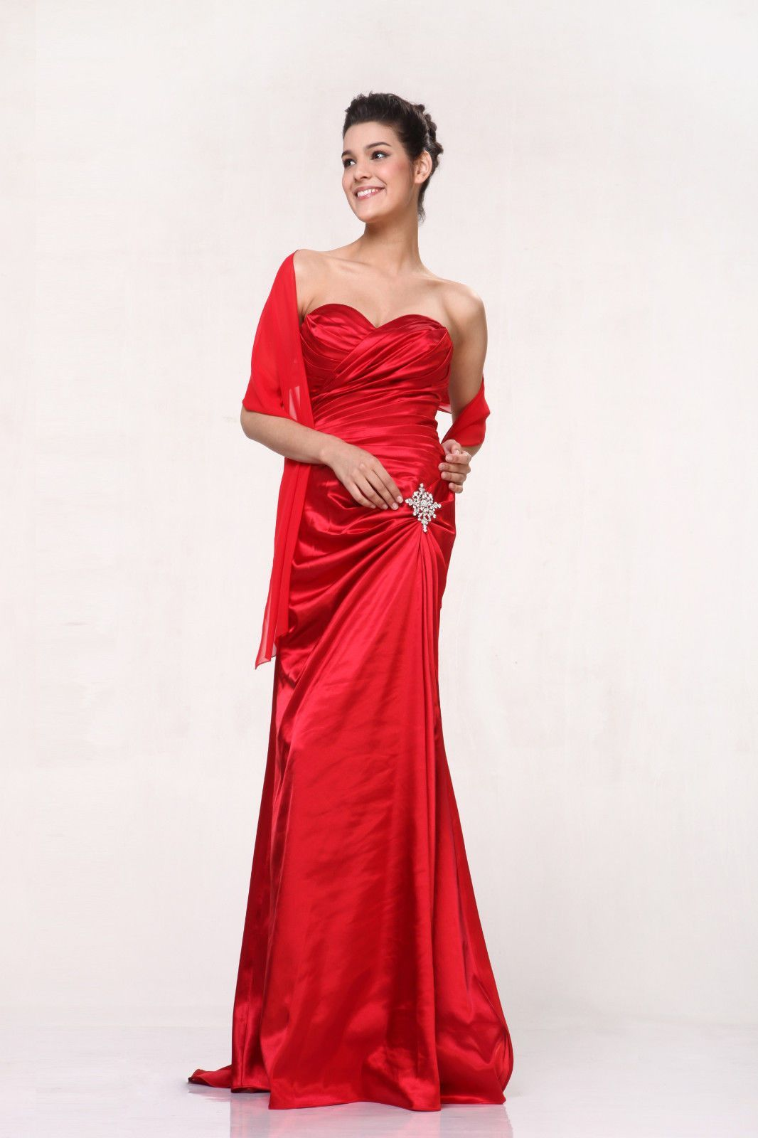 This classic sweetheart neckline is perfect for any occasion the