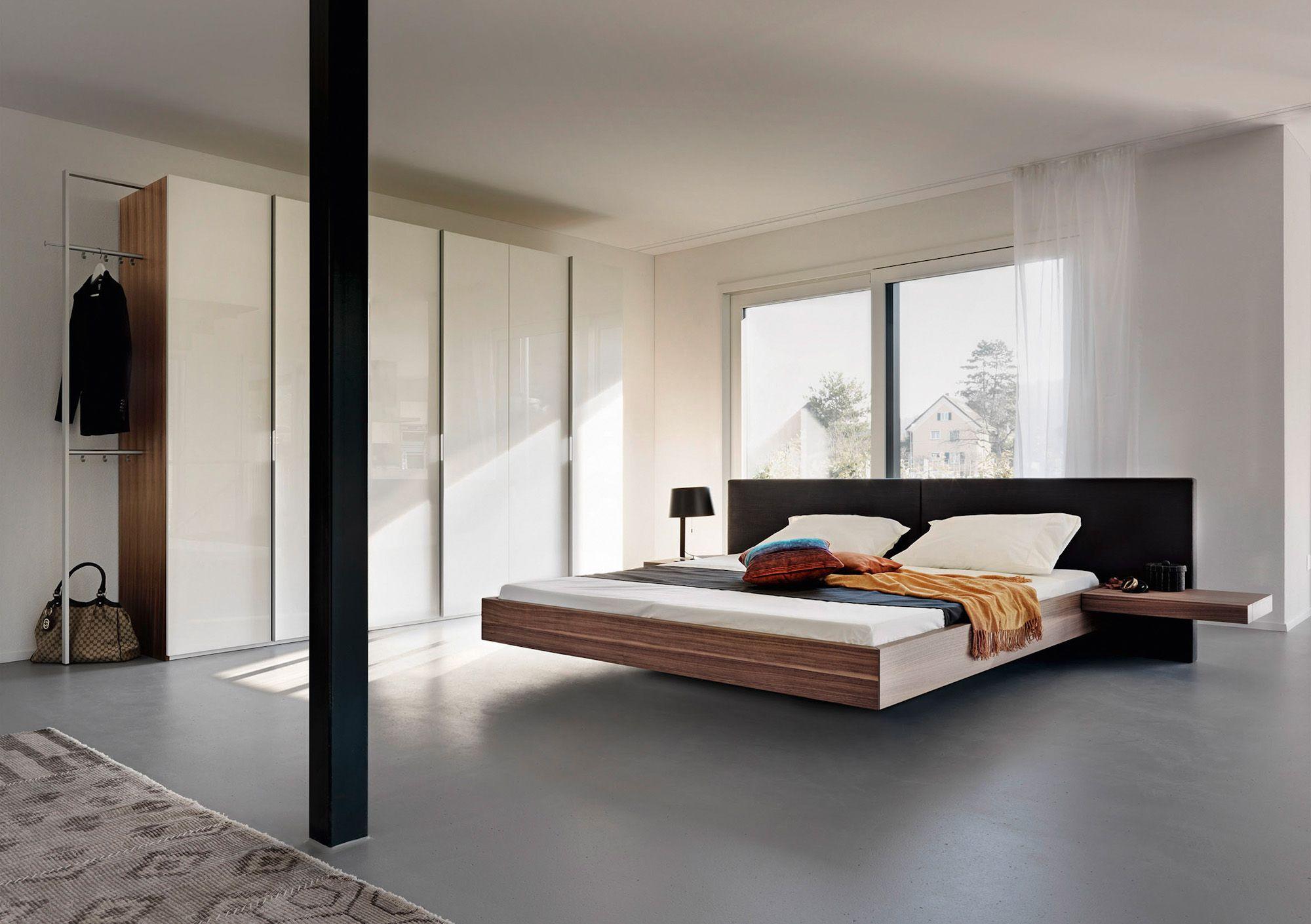 schwebebett holz leder doppelbett hohe kopfleiste bei m bel morschett schlafen. Black Bedroom Furniture Sets. Home Design Ideas