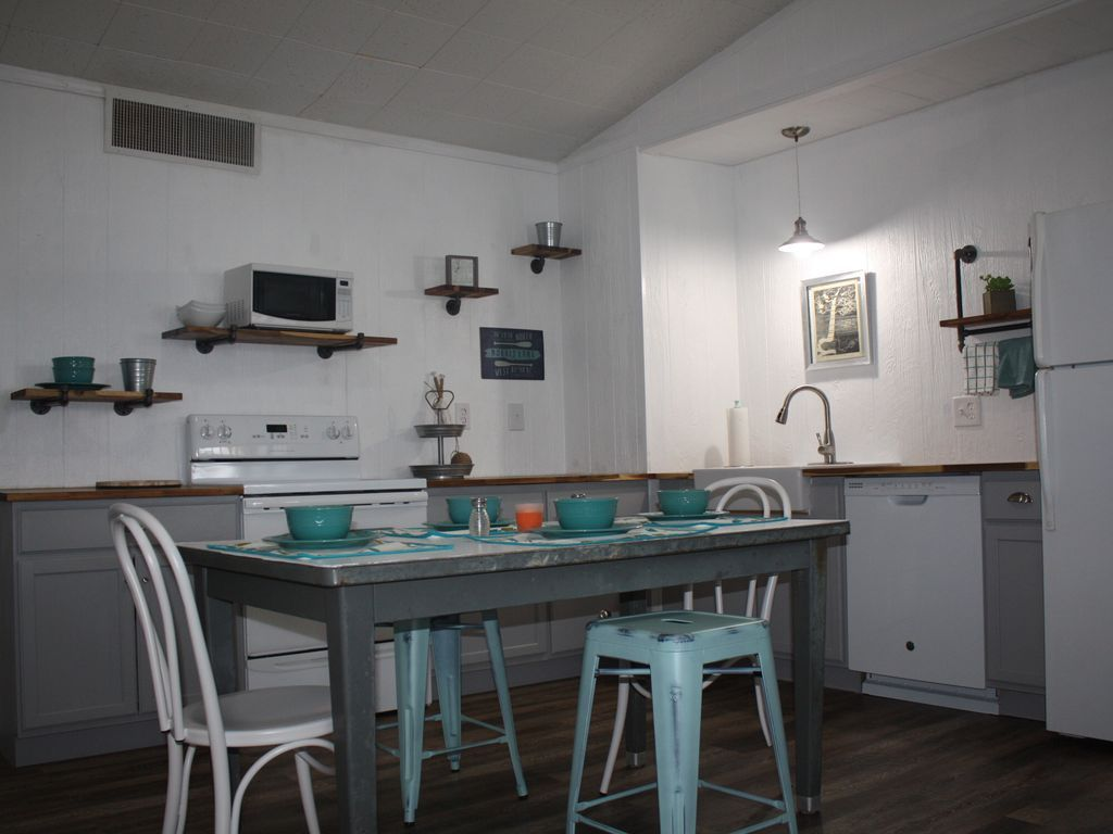 Fully equip kitchen floating house home boat slip